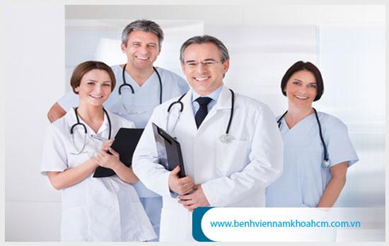 Nên lựa cơ sở y tế có đội ngũ nhân viên y tế giỏi khi quyết định cắt bao quy đầu