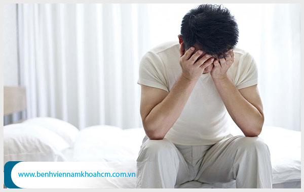Hẹp bao quy đầu ảnh hưởng gì đến sức khỏe nam giới? Có nên cắt hay không?